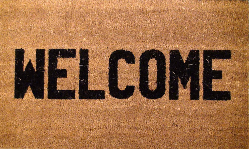 Roll Out the Welcome Mat: Six Ways Signage Can Benefit Tourism
